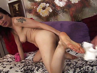 Insatiable elderly spunker with a sole fetish luvs boinking