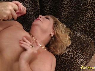 Light haired GILF Karen Summers Has Her Hairy Cootchie Tucked