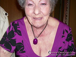 OmaGeiL Granny Fun bags and Bums Images Slideshow