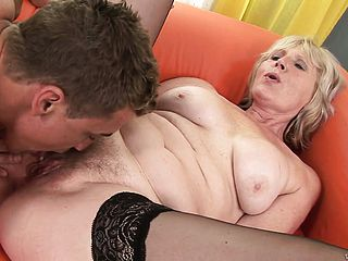 Mature super bitch in ebony tights gets her twat frigged prettily