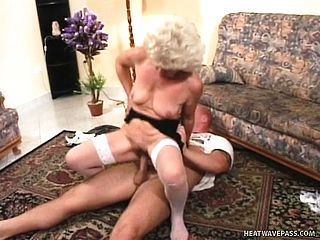 Romp addicted senior woman is worth every 2nd of this aggressive boinking