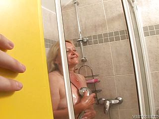 Great sex with the mature blonde Vanessa