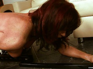 Enthralling red haired mummy with a great arse likes a super steamy girl on girl three way