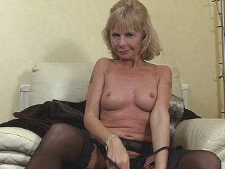 Cathy Oakley shows you her sexy body as she plays with herself