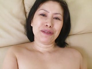 Oriental dark haired mature in fucky fucky vid