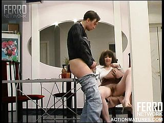 Fabulous Cougar gets her accomplished coochie plumbed Pov fashion on the counter
