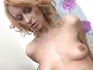Admirable buxom mature damsel gives a magic Deep throat