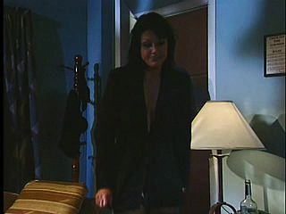 Assistant takes her bosss spear at a motel during a biz journey