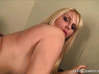 Curvacious light haired MILF, Karen Fisher gets tapped in her slit