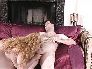 Jiggly ash blonde biotch gets a mouthhole of her boyfriends big fuck stick