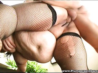 Obese female in fishnet pantyhose Timy Cat gets pulverized rock hard by Hellboy