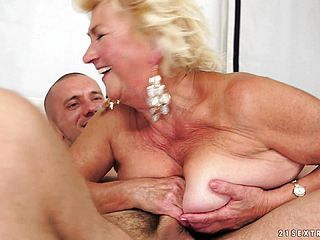 Yam sized grandma Tamara gets her well used cunt bashed by a youthfull boy