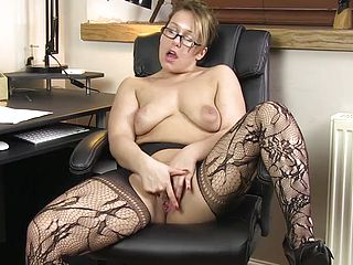 Blonde mature Ashley Rider with super fucking hot enjoy bubbles in disrobing adult vid in office