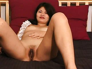 Cindy Lee is a nice lil  Chinese damsel with the hornies and playthings herself