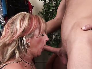 Experienced large boob honey Joanna Depp gets her snatch handled harshly