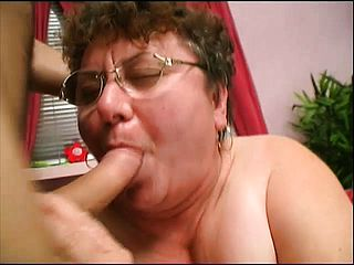 Lush mature tart Cathy gets drool roasted in a super hot 3 way