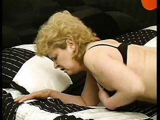 Obese mature lady has a youthful boy humping her needy peach all over the sofa