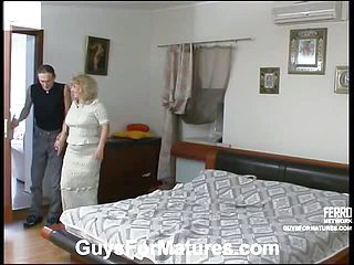 Ultra kinky boy cant stand against charms of buxom mummy sore for compelling drilling