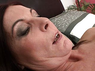 Slim youthfull platinum blonde Randee Reed has a horny black haired mummy gobbling out her peach