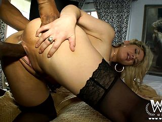 Amiable and bright porno actress does an epic vignette with ebony stud