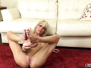 Mikki Lynn loves to pay close attention to all her mischievous fuck holes