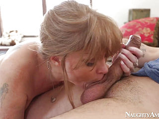 Ravishing mature wench with fat juggs gets plowed